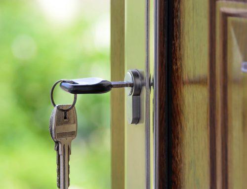 La cláusula de afianzamiento en los préstamos hipotecarios es: abusiva, injustificada, predispuesta y no negociada