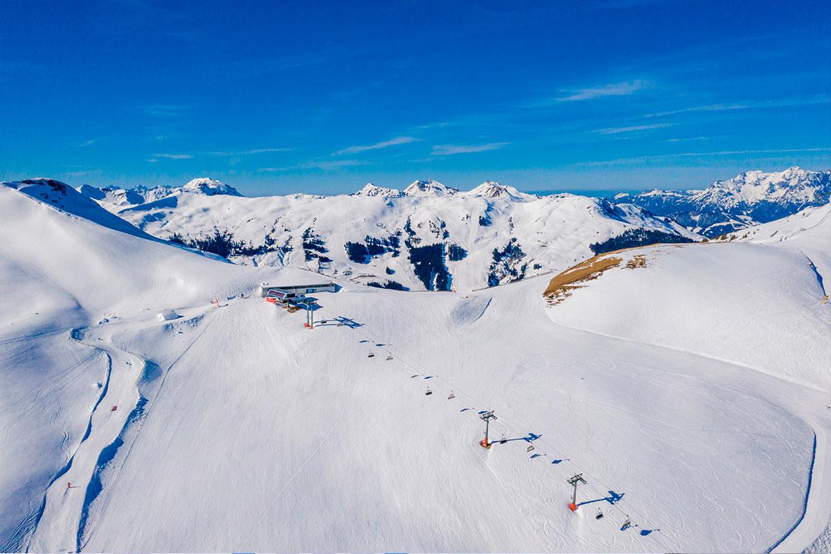 La Agencia ha multado a un Club de esquí por publicar imágenes en su página Web de una menor sin el consentimiento de los dos progenitores.